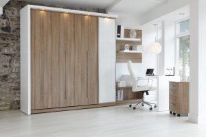 bureau à la maison avec lit escamotable